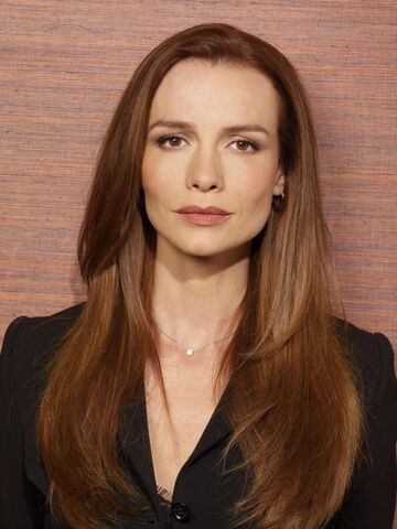 File:Boston-legal-saffron-burrows.jpg