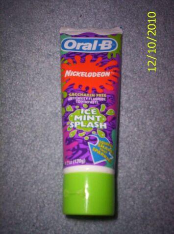 File:Nickelodeon Green Slime Toothpaste.jpg