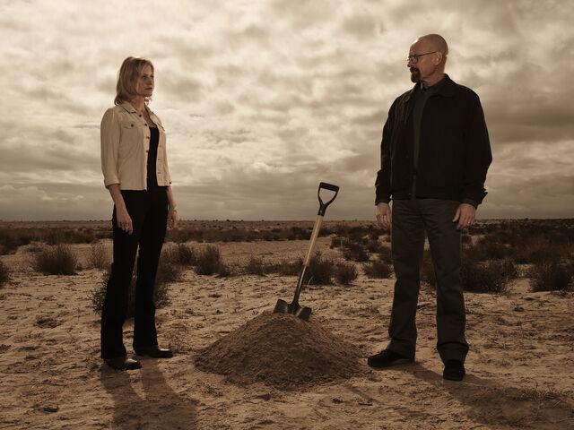 File:Walt & Sky shovel S5b.jpg