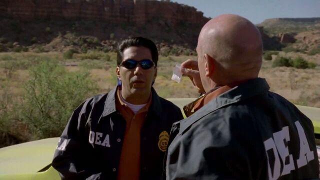 File:1x03 - Hank finding Walt's meth.jpg