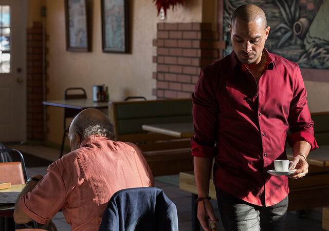 File:Better-call-saul-episode-308-nacho-mando-2-935.jpg