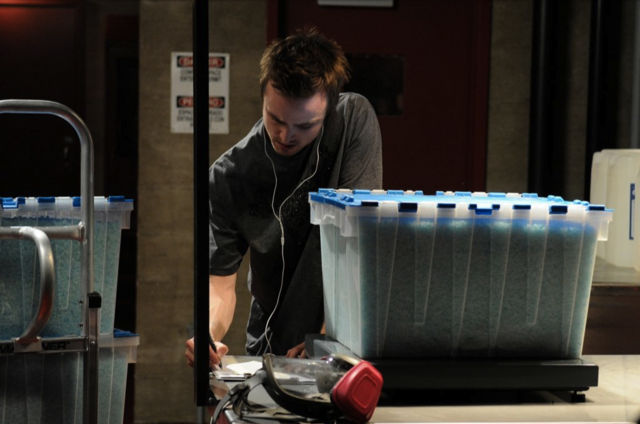 File:Jesse weighing boxes 4x2.PNG