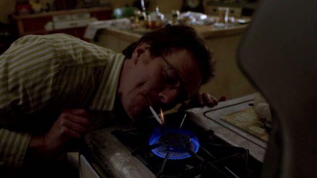 File:1x02 - Walt smoking weed.jpg
