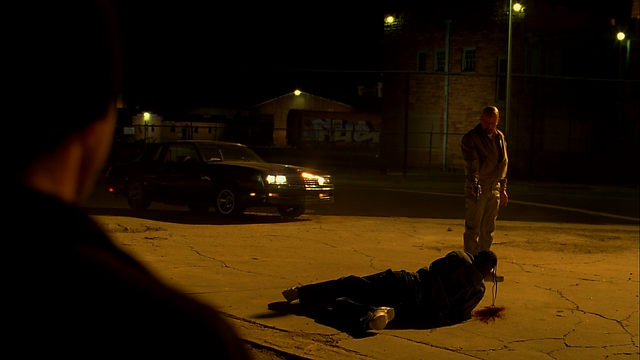 File:3x12 Walt shoots dealer.png