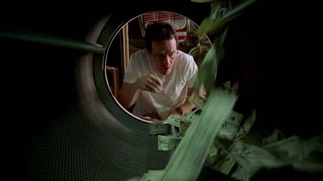 File:1x01 - Walt washing his money.jpg