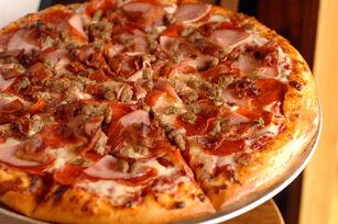 Meaty meat pizza