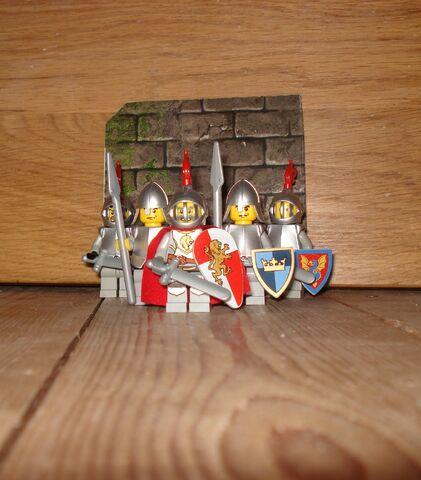 File:King's guards.jpg