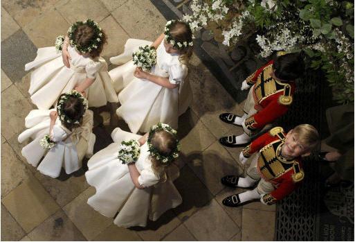 File:Bridesmaids and Page Boys.jpg