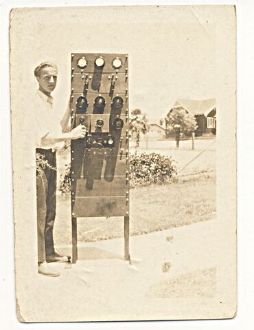 File:Clarence with transmitter.jpg