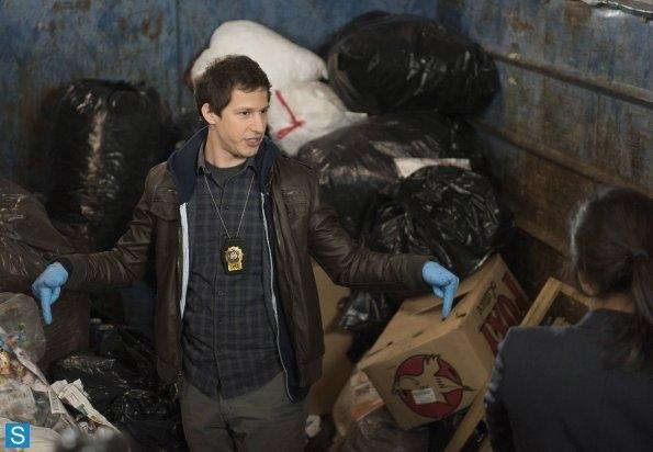 File:Jake in Dumpster.jpg