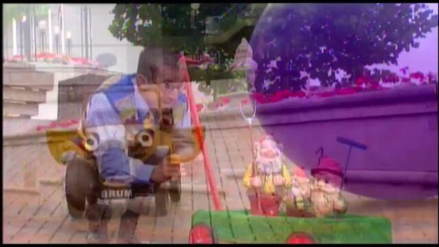 File:Brum-Episode-38-Cream-Balloon.jpg