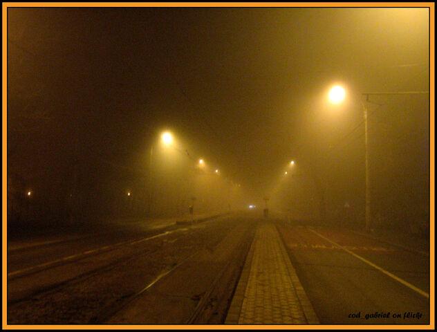 Fișier:Fog in Bucharest-1046.jpg