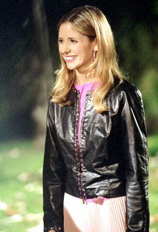 File:Buffybot intervention still solo.jpg