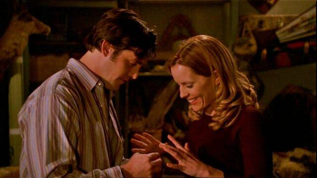 File:Buffy 5x22 Xander Proposes To Anya.jpg