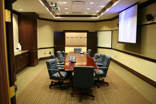 檔案:Video Conference Room West of Council Chambers.jpg