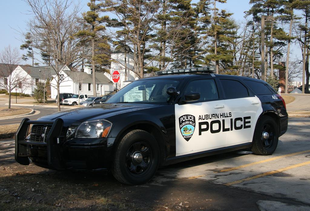 Image Dodge Magnum Police Jpg Burnout Wiki Fandom