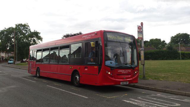 File:London Bus Route H98.jpg