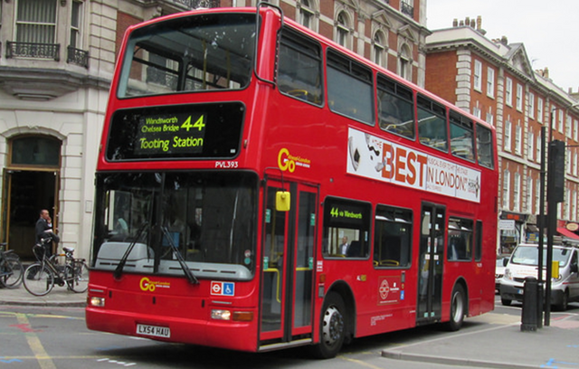 File:44 to Tooting Station.png