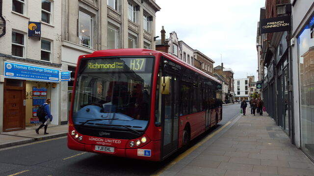 File:London Bus Route H37.jpg