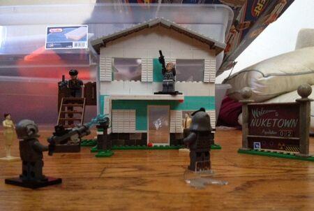 Personal Zombiehunter115 Nuketown Lego