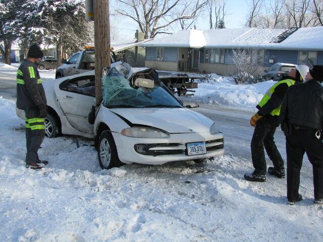 File:Pole and car Fail.jpg