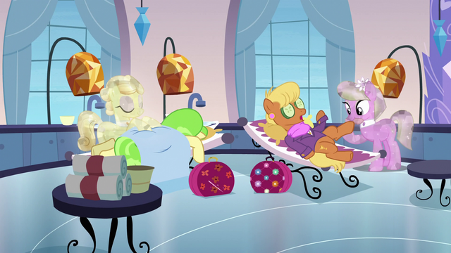 File:Ms Harshwinny and Ms Peachbottom at the spa S3E12.png