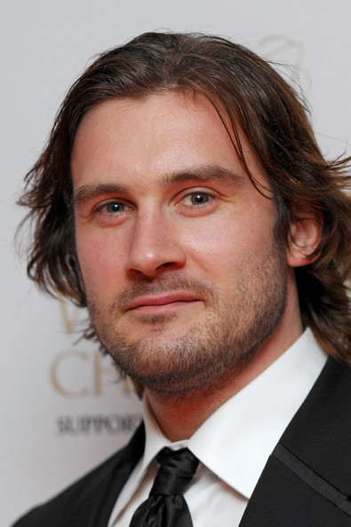 Clive Standen Camelot Wiki Fandom Powered By Wikia