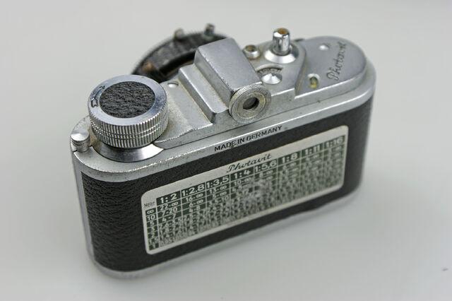 File:Photavit III Schneider Xenar f3,5-37,5mm Compur Rapid 07.jpg