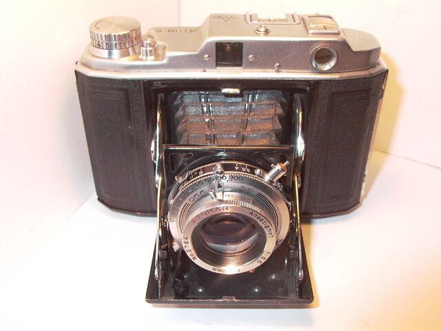 File:Z99 Atom Six llb 1953 Atomar lens 80mm RARE.jpg
