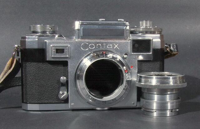 File:Contax IIIa 20.JPG