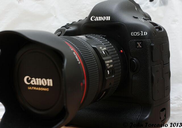 File:Canon 'EOS-1D X.jpg