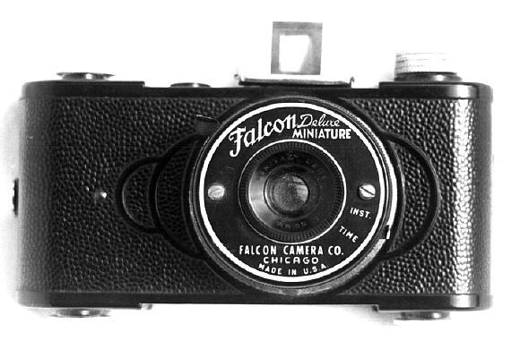 File:Falcon deluxe.jpg