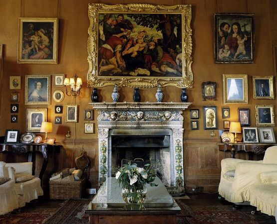 Castle-leslie-drawing-room