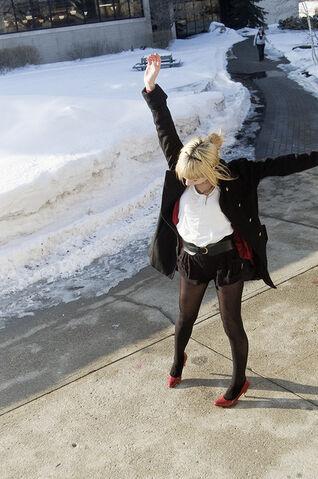File:Blonde-girl-happy-heels-red-Favim.com-223892 large.jpg