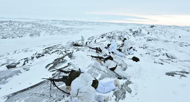 File:Snow warfare2.jpg