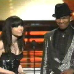 Carly & Ne-Yo at the 2013 Grammy Awards