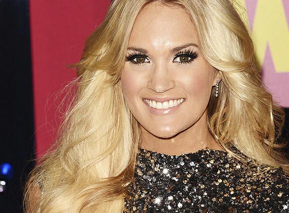 File:Carrie-underwood-cmt-makeup.jpg
