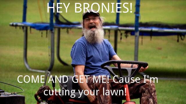 File:Si Robertson cutting grass mlp meme.jpg