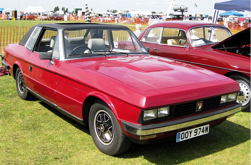 800px-Bristol 412 ca 1980 near Bury St Eds-1-