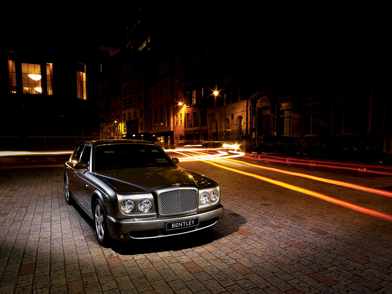 2007-Bentley-Arnage-Front-Angle-1280x960-1-
