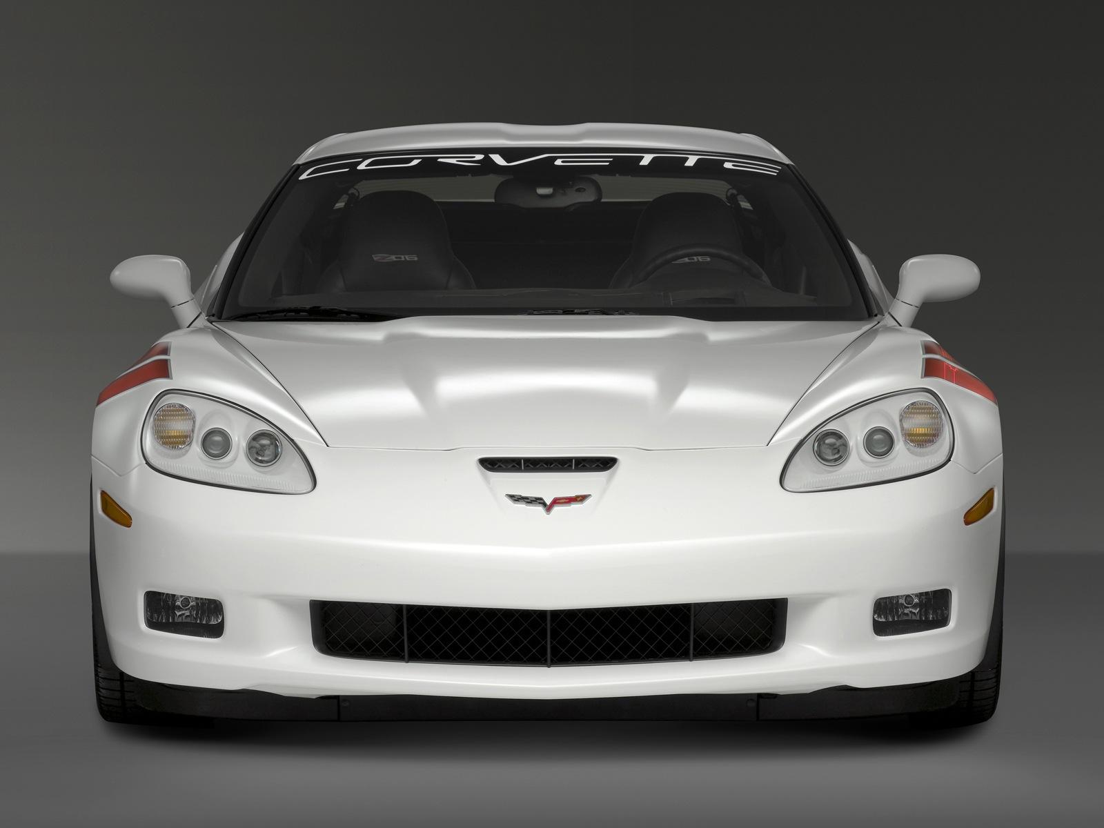 Corvette-Z06-Ron-Fellows-2-BJPOI87W7L-1600x1200-1-