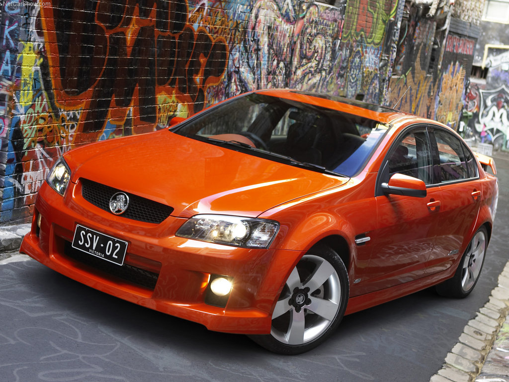 Holden-VE-Commodore-SS-V-Front-Angle1-2006