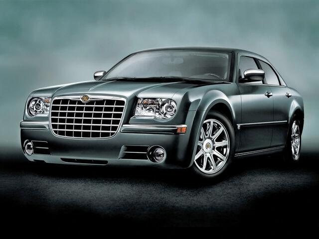File:Chrysler 300 SRT-8, Touring Sedan-2-.jpg