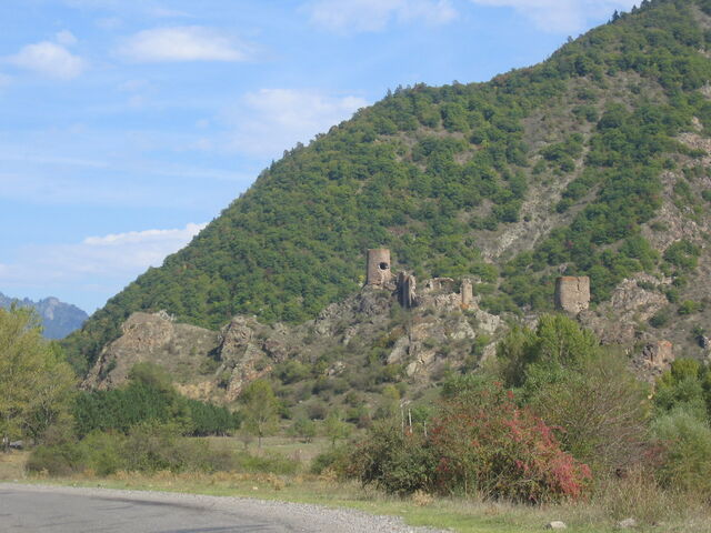 File:Another castle ruin.jpg