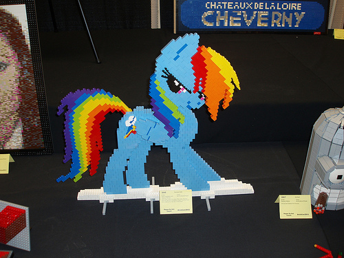 File:Rainbow Dash at BrickCon.jpg