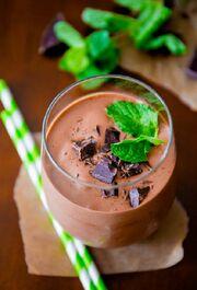 Skinny-Mint-Chocolate-Milkshakes-2