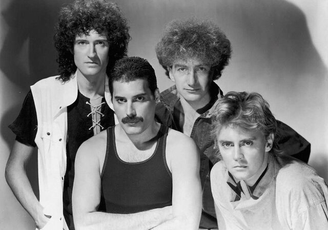 File:Queen Band.jpg