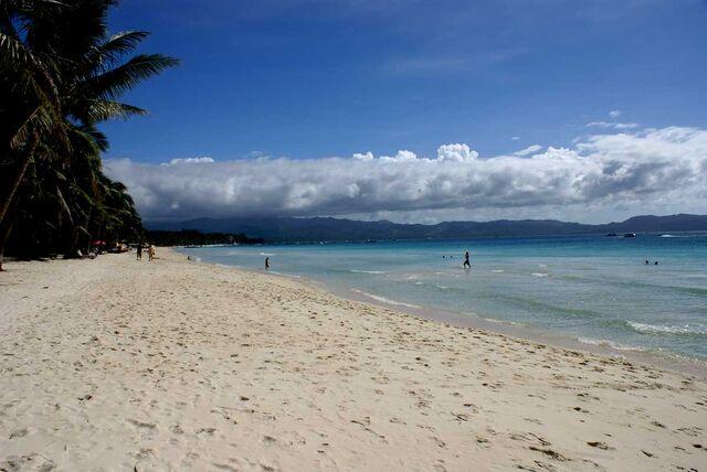 File:Boracay beach 1.jpg