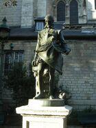 Statue de Bernard Palissy dans le jardin à côté de l'église Saint-Germain-des-Près