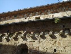 Sant'Andrea Forisportam bacini ceramici 02.JPG